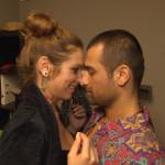 Milla und ihr neuer Mitbewohner Tim kommen sich sehr nahe (Quelle: RTL 2)