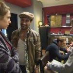 Am Morgen entspinnt sich im Loft eine Diskussion, bei der Tim zu Millas Entsetzen, ganz nebenbei ihren One-Night-Stand auffliegen lässt. (Quelle: RTL 2)