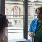 Nachdem Joleen sich mit Cem gestritten hat und nicht mit nach Berlin gefahren ist, herrscht zwischen den beiden Funkstille. Doch Joleen passt es überhaupt nicht, dass Cem sich nicht bei ihr meldet. Als Jan ihr dann auch noch genüsslich unter die Nase reibt, dass er das Wochenende mit Cem in Berlin verbracht hat, platzt Joleen vor Neugier. (Quelle: RTL 2)
