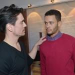 David (Philipp Christopher, l.) droht Amar (Thando Walbaum) mit dessen Abschiebung, falls er ihm keine Informationen gibt. (Quelle: RTL / Rolf Baumgartner)
