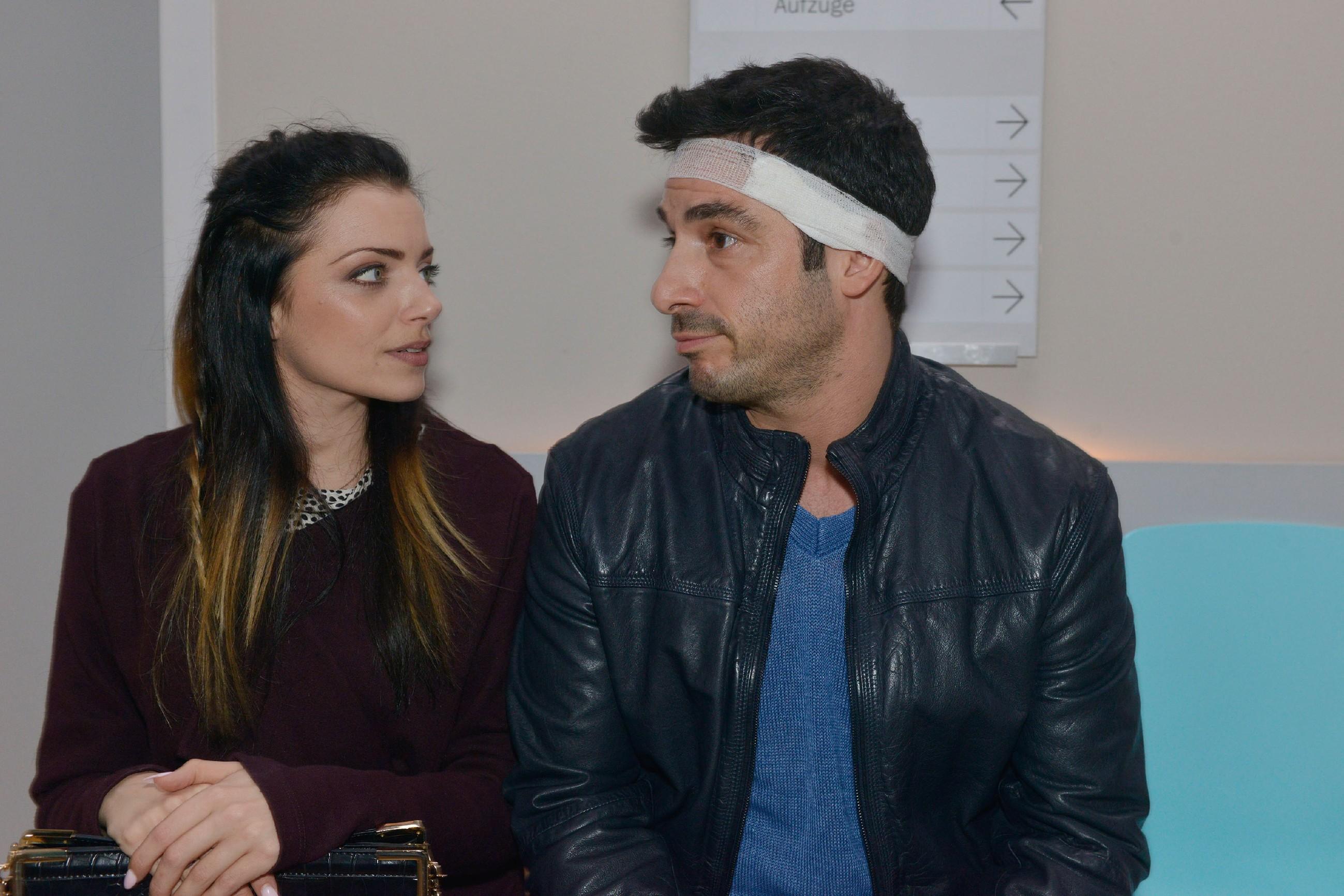 Emily (Anne Menden) und Tayfun (Tayfun Baydar) wollen wieder in den Alltag finden. (Quelle: RTL / Rolf Baumgartner)