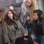 Milla,li. und die Bewohner finden Caro und überreden sie, nach Hause zu kov.li.n.re.: Milla,Caro,Miri,Daniel,Jimi (Quelle: RTL 2)