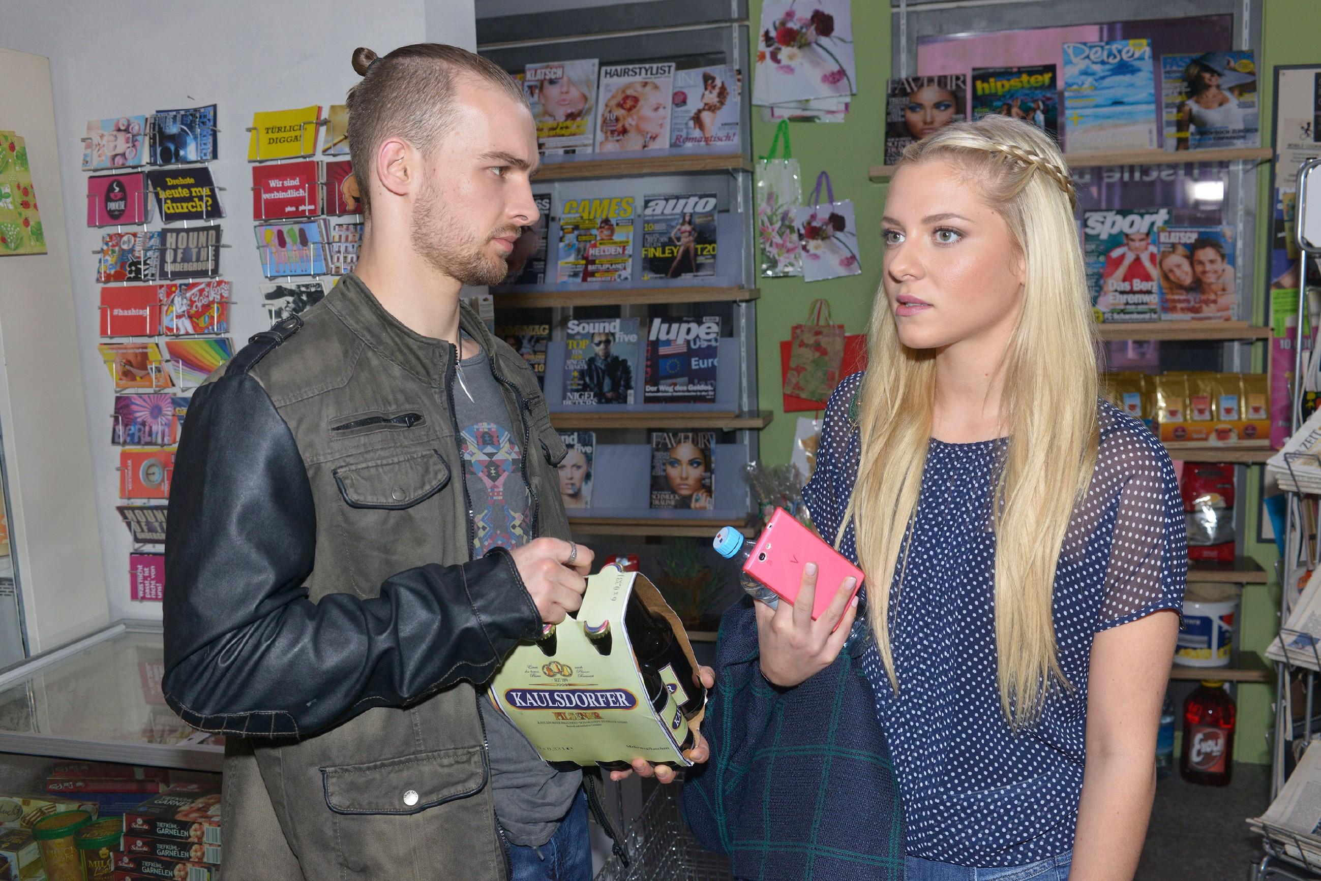 Sunnys (Valentina Pahde) Verständnis für Chris (Eric Stehfest) baut sich langsam auf. (Quelle: RTL / Rolf Baumgartner)