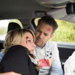 Ute (Isabell Hertel) und Till (Ben Ruedinger) haben auf ihrer Rückfahrt von Conors Länderspiel einen Autounfall. Obwohl sie glimpflich davonkommen sind, sitzt der Schock tief... (Quelle: RTL / Stefan Behrens)