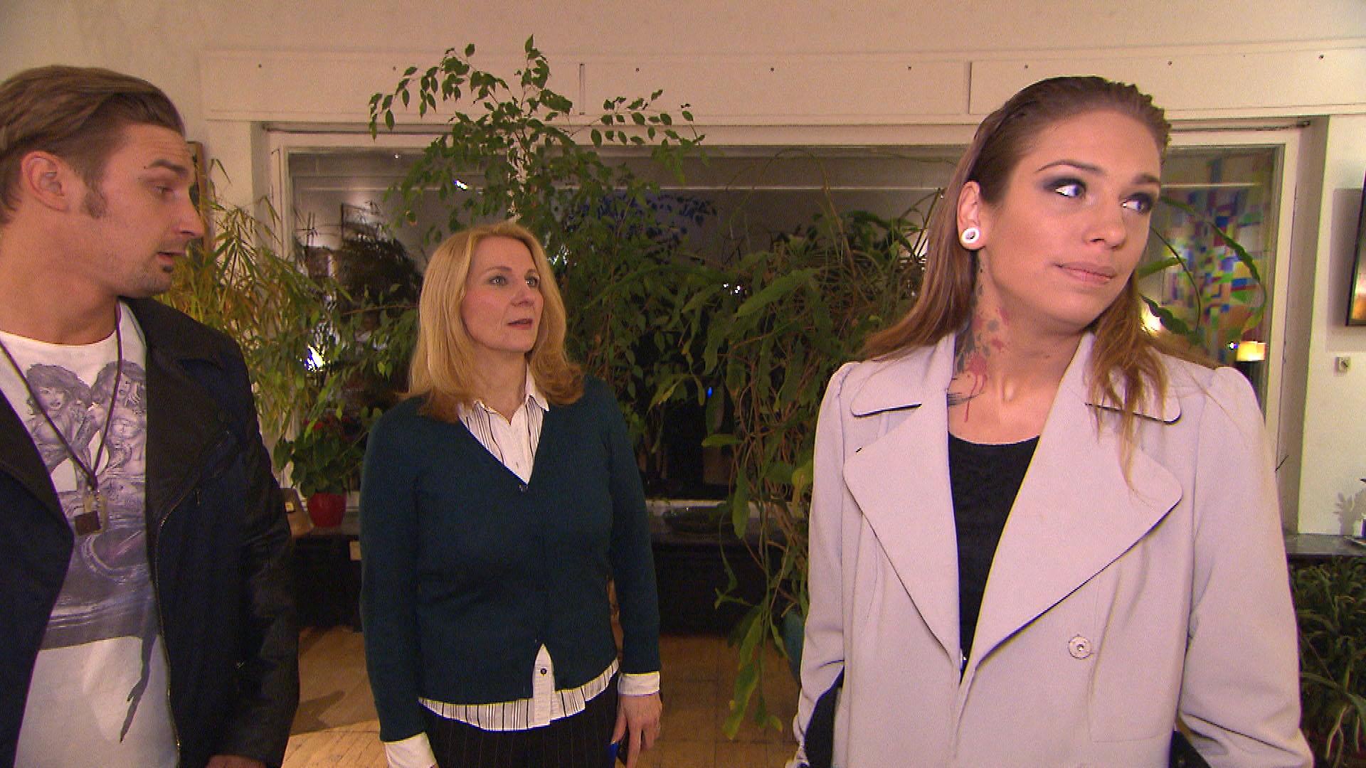 Leon,li. Millas Mutter,Mi. Milla,re. (Quelle: RTL 2)
