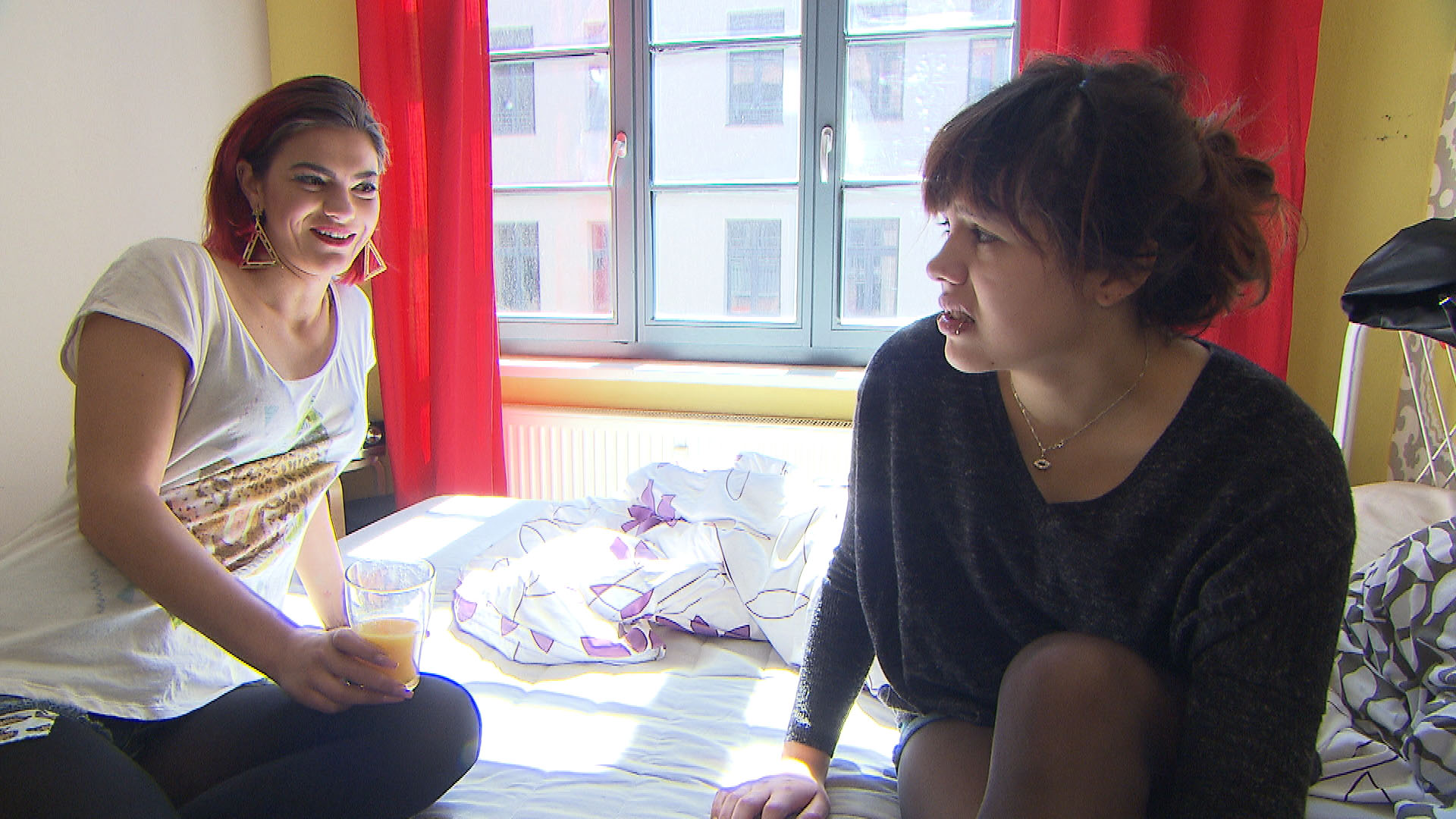 Aylin,li. Jessica,re. (Quelle: RTL 2)