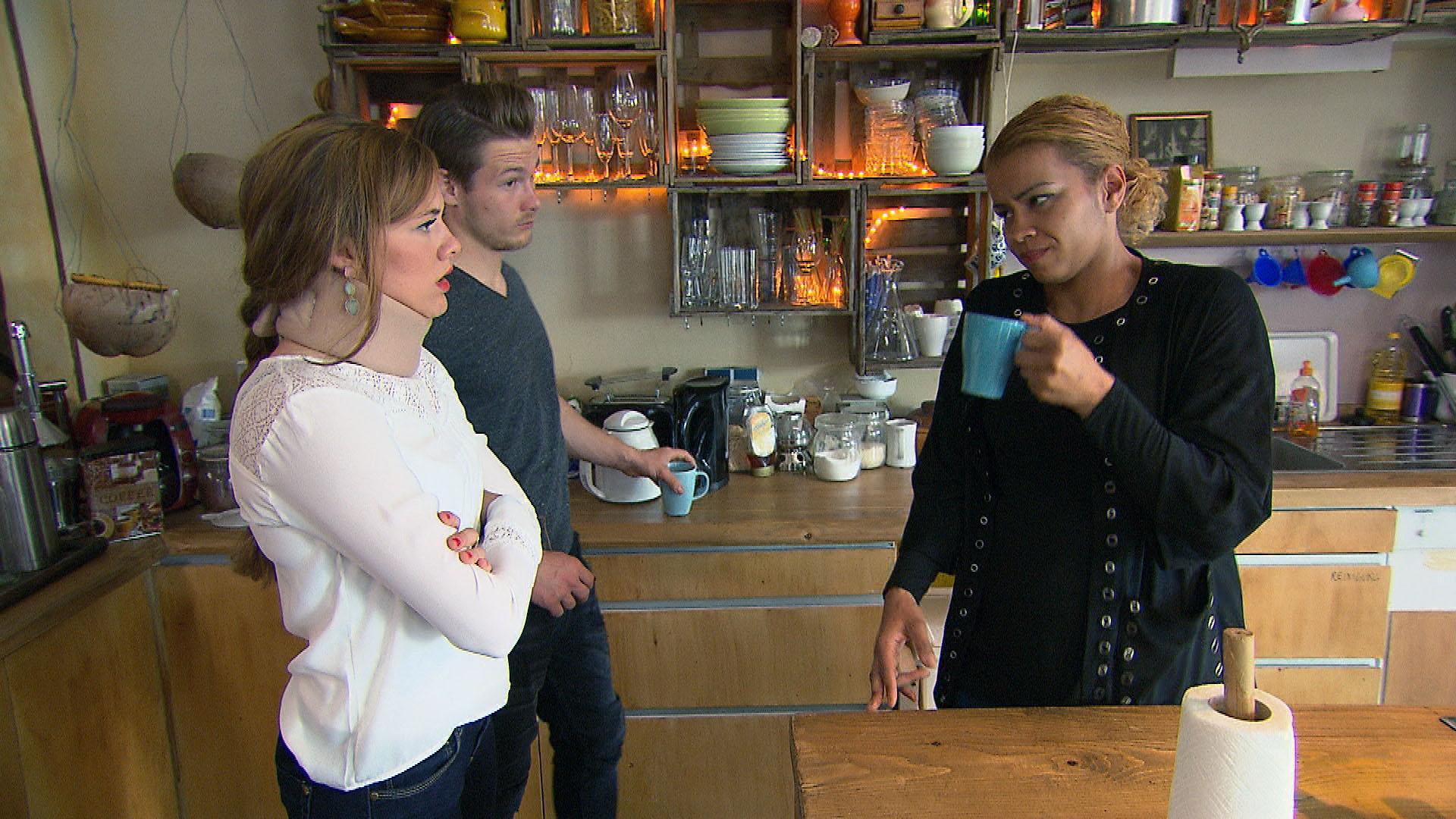 Anna,li. Valentin,Mi. Sam,re. (Quelle: RTL 2)