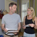 Als Maren (Eva Mona Rodekirchen) befürchtet, ihre Bewährung zu verlieren, kann Alexander (Clemens Löhr) sie beruhigen. (Quelle: RTL / Rolf Baumgartner)