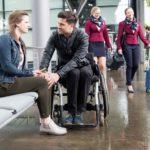 Elli (Nora Koppen) kommt dank Paco (Milos Vukovic) auf die rettende Idee, wie sie ihre Chance auf das Praktikum retten kann. (Quelle: RTL / Stefan Behrens)