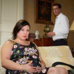 Christoph (Lars Korten) wird vor Augen geführt, dass es richtig ist, der schwangeren Vanessa (Julia Augustin) Simones Entführung zu verschweigen. (Quelle: RTL / Guido Engels)