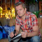 Ingo (André Dietz) wird von Beas Scheidungswunsch völlig aus der Bahn geworfen. (Quelle: RTL / Guido Engels)