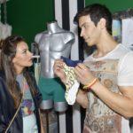Bei Jasmin (Janina Uhse) brennt eine Sicherung durch, als Milo (Iskander Madjitov) ungefragt Hand an ihre Designs legt...