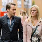 Lena (Juliette Greco) hat die Scheidungspapiere noch nicht abgeschickt, weil sie insgeheim mehr Zweifel an ihrer Beziehung mit Patrick (Jan Andres) hat, als sie zugeben will. (Quelle: RTL / Willi Weber)
