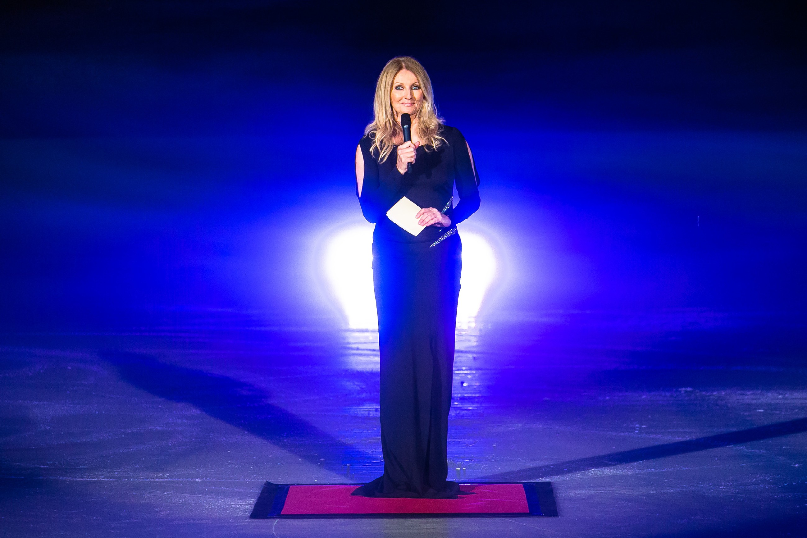 Promi-Gast Frauke Ludowig kündigt Dianas Kür an.
