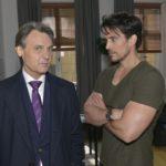 Gerner (Wolfgang Bahro) sucht David (Philipp Christopher, r.) auf und versucht ihn von seinem Plan abzubringen, bei der Polizei auszupacken. (Quelle: RTL / Rolf Baumgartner)