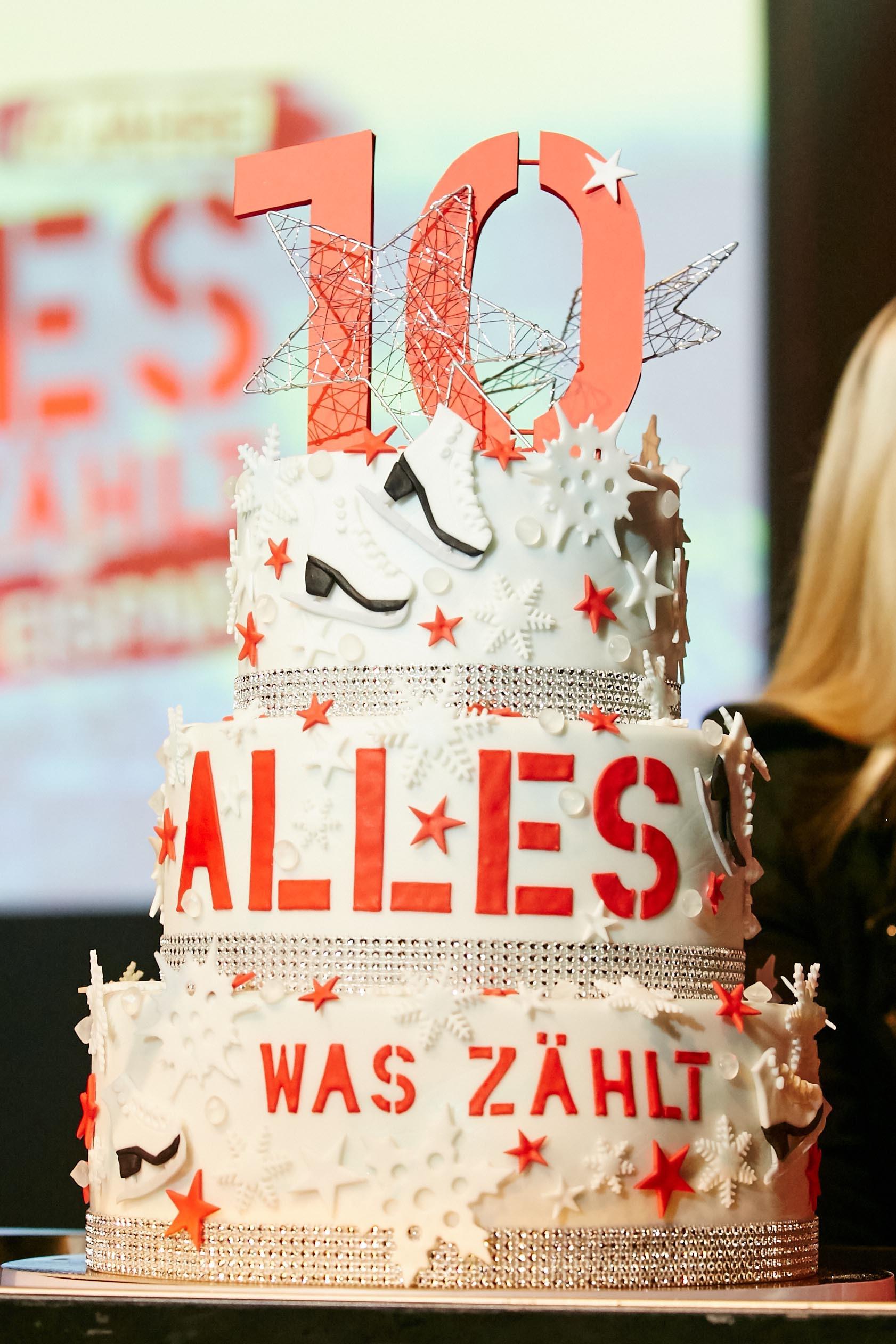 """Die """"Alles was zählt""""-Torte zum 10-jährigen Jubiläum."""