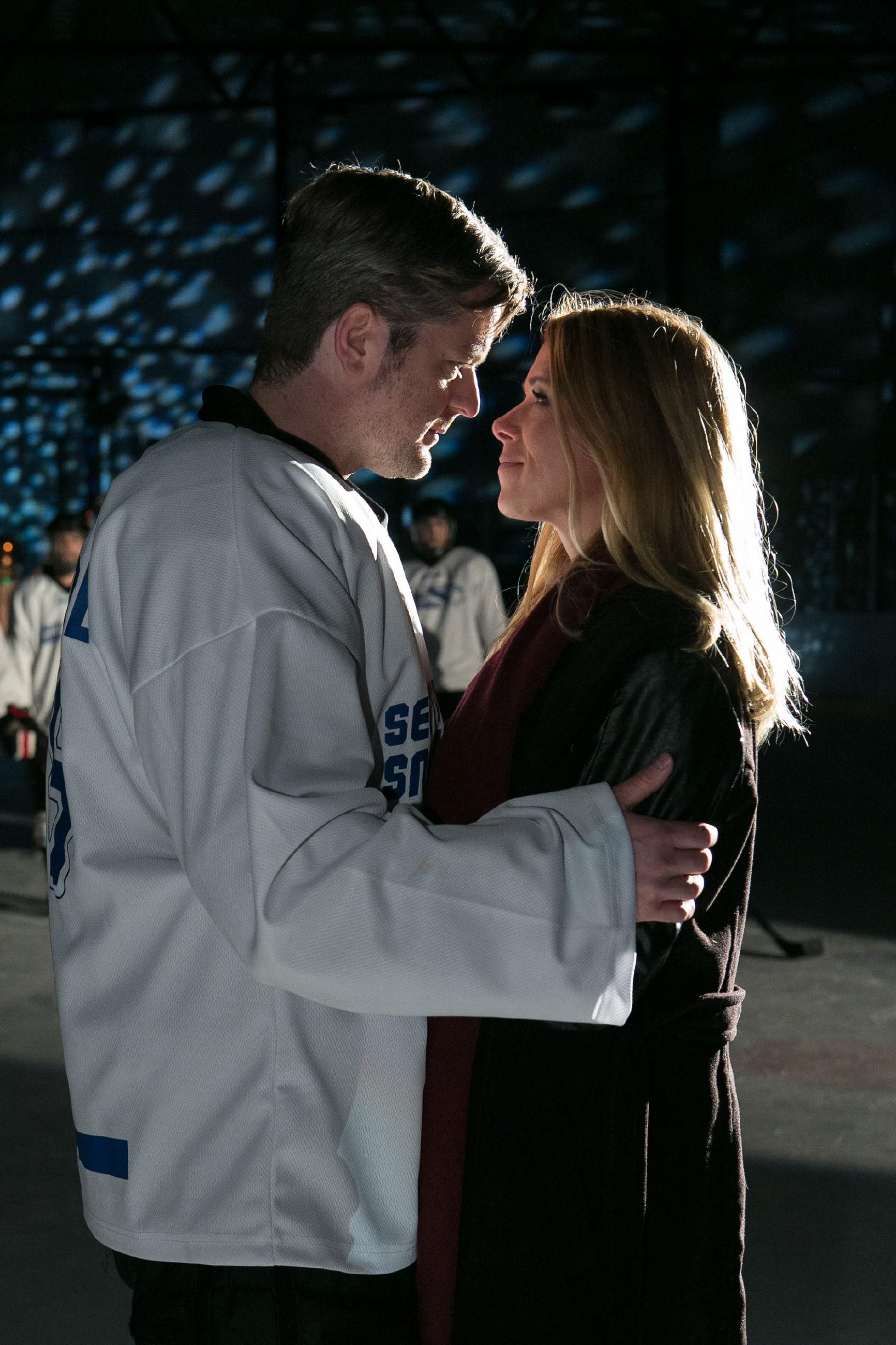 """Diana (Tanja Szewczenko) und Ingo (André Dietz) erleben ihre ganz persönliche """"American Love Story"""" und sind endlich vereint... (Quelle: RTL / Kai Schulz)"""