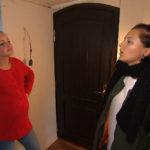 Miri (li.) möchte etwas unternehmen, um Daniel zu helfen. Als eine heftige Konfrontation mit Leni nicht weiterhilft, beschließt Miri, Leni (re.) eine Falle zu stellen. (Quelle: RTL 2)