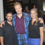 """Gaststar Conan O'Brien (M.) mit den """"GZSZ""""-Schauspielern Thomas Drechsel und Eva Mona Rodekirchen."""