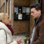 Ronny (Bela Klentze) gesteht sich gegenüber Lena (Juliette Greco) resigniert ein, dass er nie eine Chance bei Michelle hatte. (Quelle: RTL / Willi Weber)