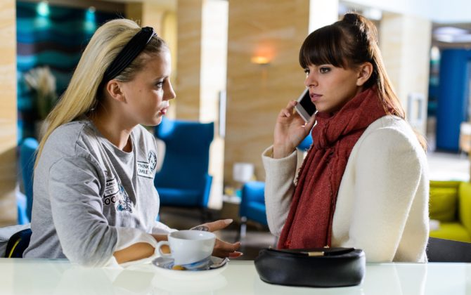 Alles was zählt Vorschau Folge 2594 ♥ OMG: Vanessa hat den Job!