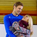 Diana (Tanja Szewczenko) und ihr Ex-Freund Brandon (Rhon Diels) harmonieren auf dem Eis, was von Ingo eifersüchtig beobachtet wird... (Quelle: RTL / RTL / Willi Weber)