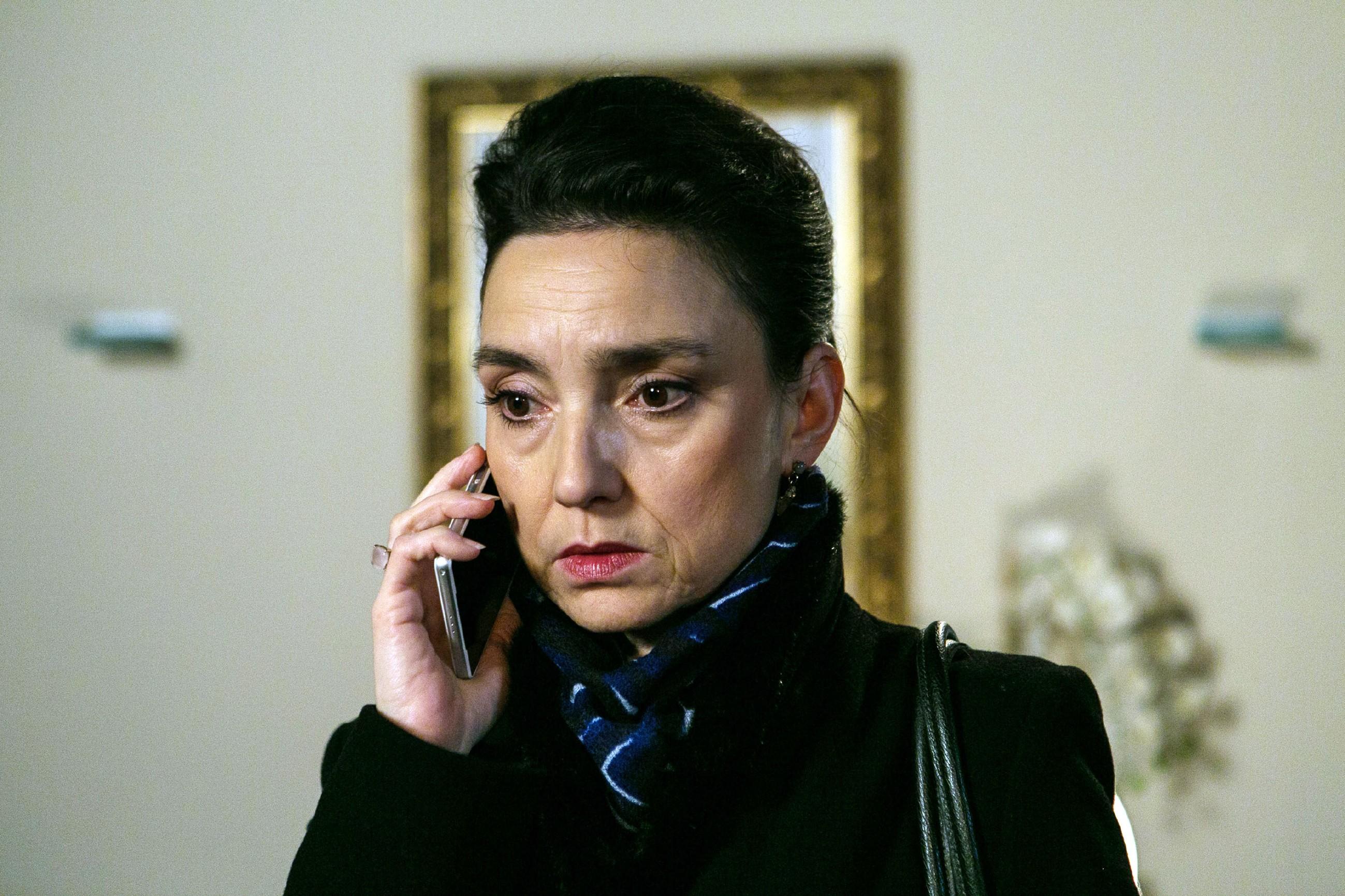 Simone (Tatjana Clasing) ist tief getroffen, dass Vincent ihr gegenüber sein Wort gebrochen hat. (Quelle: RTL / Kai Schulz)