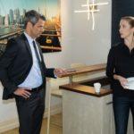 Benedikts (Jens Hajek) berufliche Anspannung entlädt sich an Andrea (Kristin Meyer). Die beiden sind weiter voneinander entfernt als je zuvor... (Quelle: RTL / Stefan Behrens)