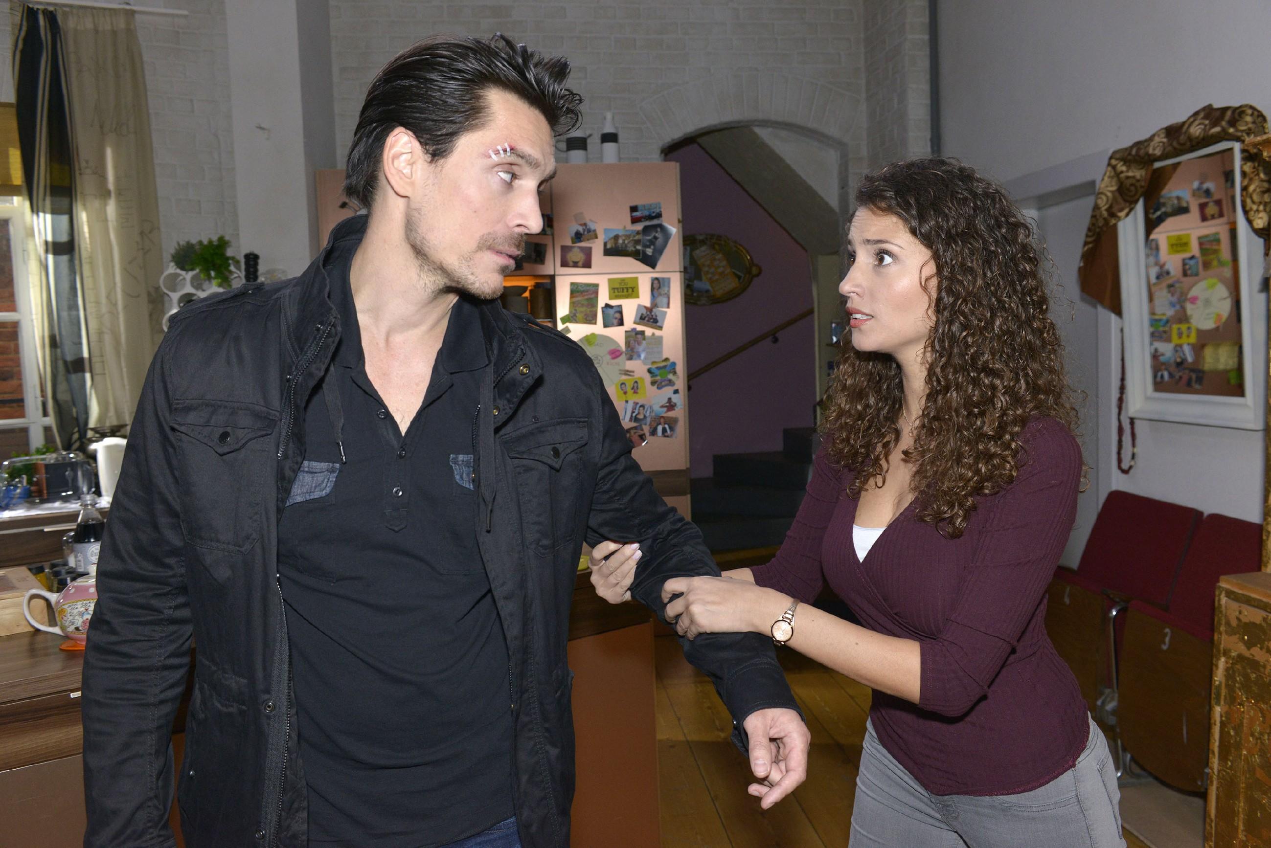 Obwohl Ayla (Nadine Menz) nicht möchte, dass David (Philipp Christopher) ins Gefängnis geht, sieht sie für ihre Beziehung keine Zukunft mehr.