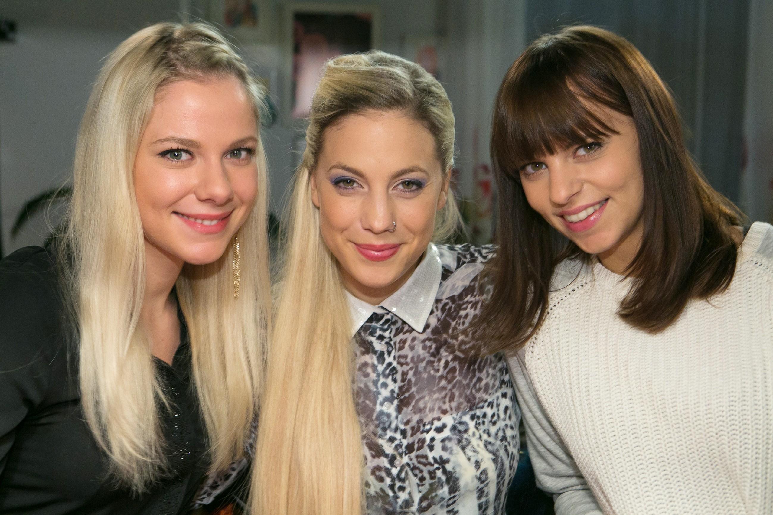 Marie (Cheyenne Pahde, l.), Iva (Christina Klein, M.) und Michelle (Franziska Benz) (Foto: RTL / Kai Schulz)
