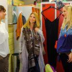 Diana (Tanja Szewczenko, M.) und Marie (Cheyenne Pahde, r.) machen Michelle (Franziska Benz) klar, dass sie kein Problem mit einer Zusammenarbeit haben. (Quelle: RTL / Julia Feldhagen)