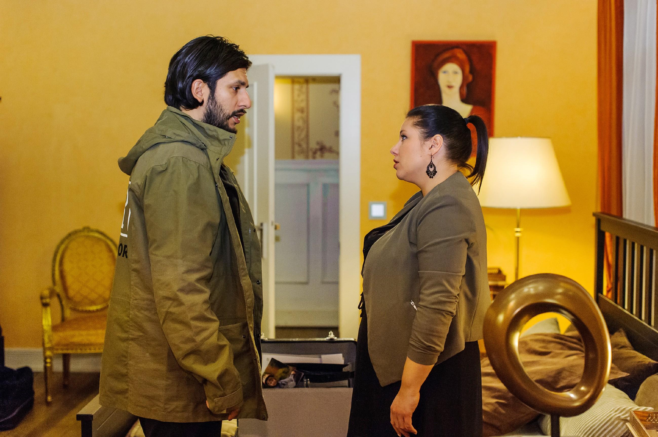 Maximilian (Francisco Medina) fliegt vor Vanessa (Julia Augustin) auf... (Quelle: RTL / Julia Feldhagen)