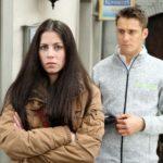 Sina (Valea Katharina Scalabrino) ist irritiert, als Lukas (Philipp Oliver Baumgarten) ihr glaubhaft versichert, kein Interesse an ihr zu haben. (Quelle: RTL / Stefan Behrens)