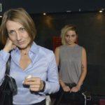 Anni (Linda Marlen Runge, r.) kann nicht leugnen, dass Rosa (Joana Schümer) cooler ist, als sie dachte. Annis Interesse ist geweckt...