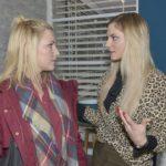 Lilly (Iris Mareike Steen, l.) ist sich sicher, dass Sunny (Valentina Pahde) die Einzige ist, die Chris dazu bewegen kann, zurückzukommen und bittet sie in ihrer Hilflosigkeit um Hilfe... (Quelle: RTL / Rolf Baumgartner)