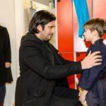 Lena (Juliette Greco) schaut zu, wie Maximilian (Francisco Medina, M.) sich von ihrem gemeinsamen Sohn Alexander (Ralf-Maximilian Prack) verabschiedet... (Quelle: RTL / Willi Weber)