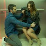 Till (Ben Ruedinger) muss über sich selbst hinauswachsen, als er mit seiner Tochter und einer Hochschwangeren (Angela Falkenhan) im Fahrstuhl steckenbleibt... (Quelle: RTL / Stefan Behrens)