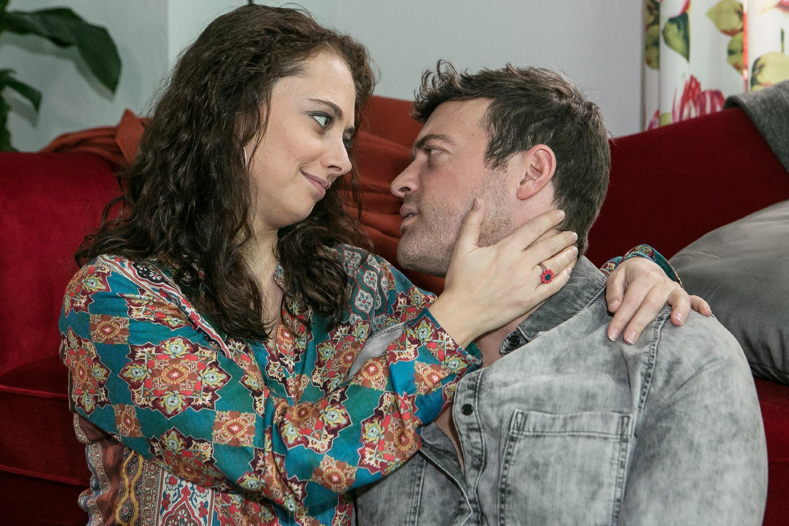 Carmen (Heike Warmuth) versucht sich wieder voll und ganz auf Ben (Jörg Rohde) und ihre bevorstehende Hochzeit zu konzentrieren.