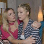 Sunny (Valentina Pahde, l.) und Lilly (Iris Mareike Steen) kommen zu der Erkenntnis, dass Chris offenbar wirklich psychiatrische Hilfe braucht. (Quelle: RTL / Rolf Baumgartner)