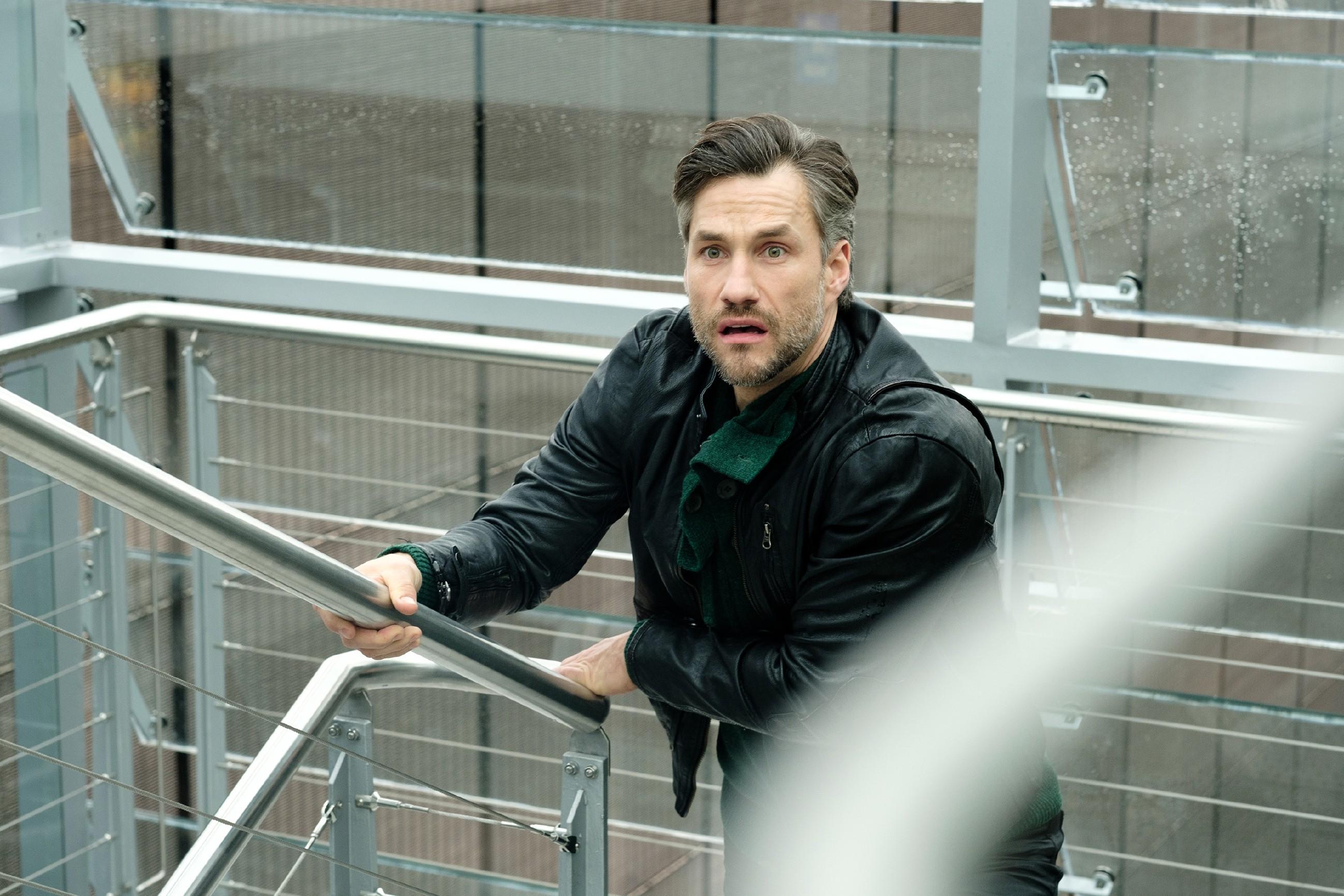Wird Malte (Stefan Bockelmann) Caro noch aufhalten können oder kommt er zu spät? (Quelle: RTL / Stefan Behrens)