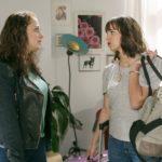 Carmens (Heike Warmuth) Versöhnungsversuch wird von Michelle (Franziska Benz) ausgebremst. (Quelle: RTL / Kai Schulz)
