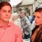 Elli (Nora Koppen) bemerkt Ringos (Timothy Boldt) schlechte Laune, als dessen Eifersucht auf den mit Mädchen flirtenden Valentin wächst... (Quelle: RTL / Stefan Behrens)