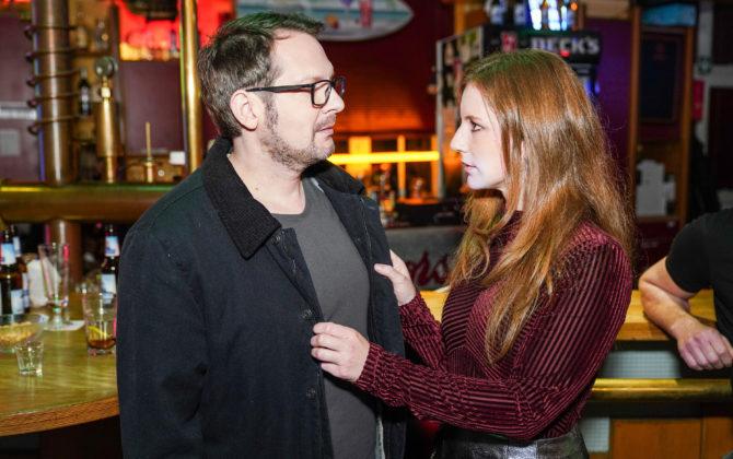 Freundinnen – Jetzt erst recht Vorschau Folge 120 Stefan rät Dirk, die Knutscherei mit Annika vor Kaya zu verheimlichen