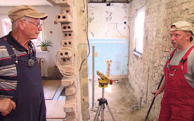 Die Schnäppchenhäuser – Der Traum vom Eigenheim Vorschau Folge 211 Reinhard kauft für seine Familie ein altes Haus und beginnt sofort mit den Sanierungsmaßnahmen