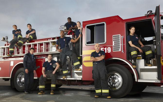 Seattle Firefighters – Die jungen Helden Vorschau  – Flächenbrand Das Team der Station 19 macht sich auf den Weg nach Los Angeles, um bei einem Waldbrand zu helfen